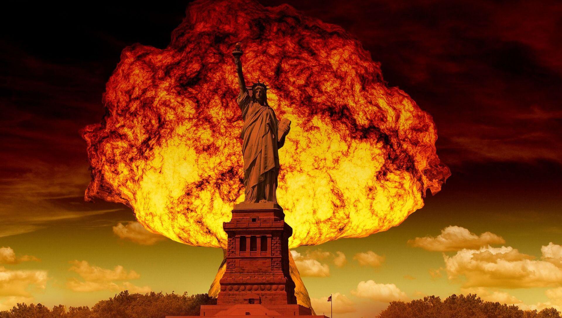 Wybuch jądrowy na tle Statui Wolności w Nowym Jorku - Sputnik Polska, 1920, 06.06.2021