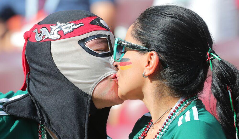 Kibice reprezentacji Meksyku przed meczem MŚ Niemcy-Meksyk