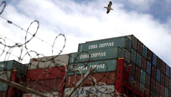 Kontenery do przewozu ładunków w porcie Oakland - Sputnik Polska