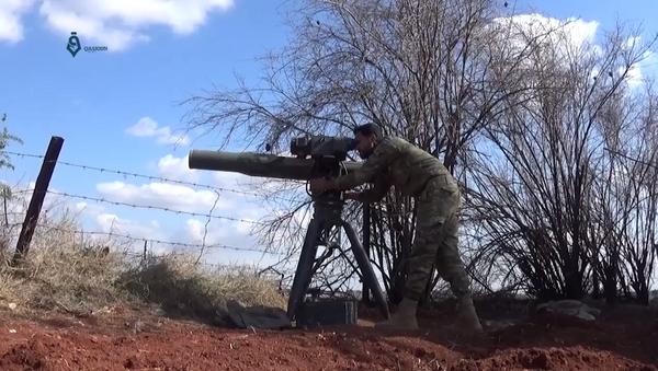 Syryjscy żołnierze znaleźli w wyzwolonych miejscowościach w południowej prowincji Dara zestawy przeciwczołgowe TOW amerykańskiej produkcji - Sputnik Polska