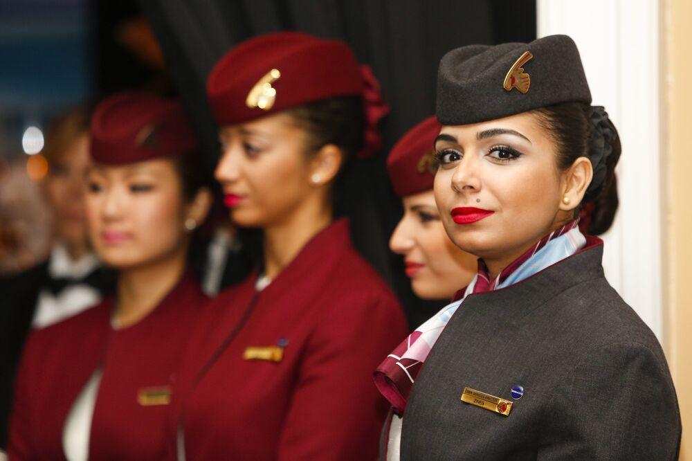 Stewardessy Qatar Airways