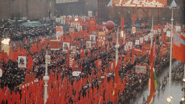 Obchody 1 maja na Placu Czerwonym, lata 70. - Sputnik Polska