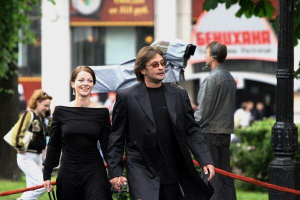 Aleksandr Domogarow i rosyjska aktorka Marina Aleksandrowa w 2005 roku - Sputnik Polska