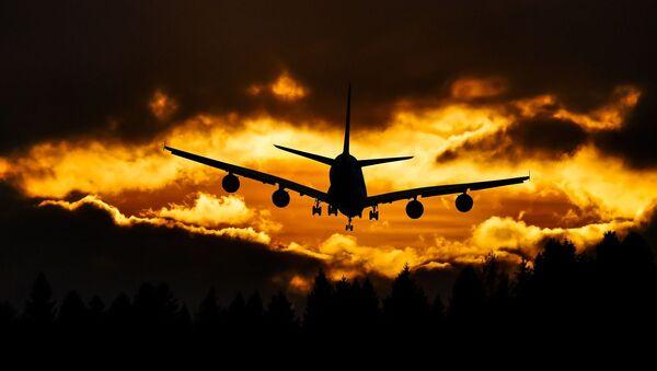 Samolot w chmurach - Sputnik Polska