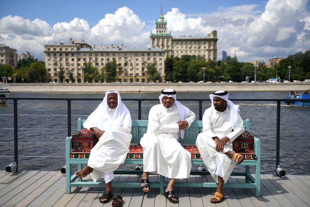 Otwarcie pawilonu Majlis Qatar w Parku Gorkiego w Moskwie