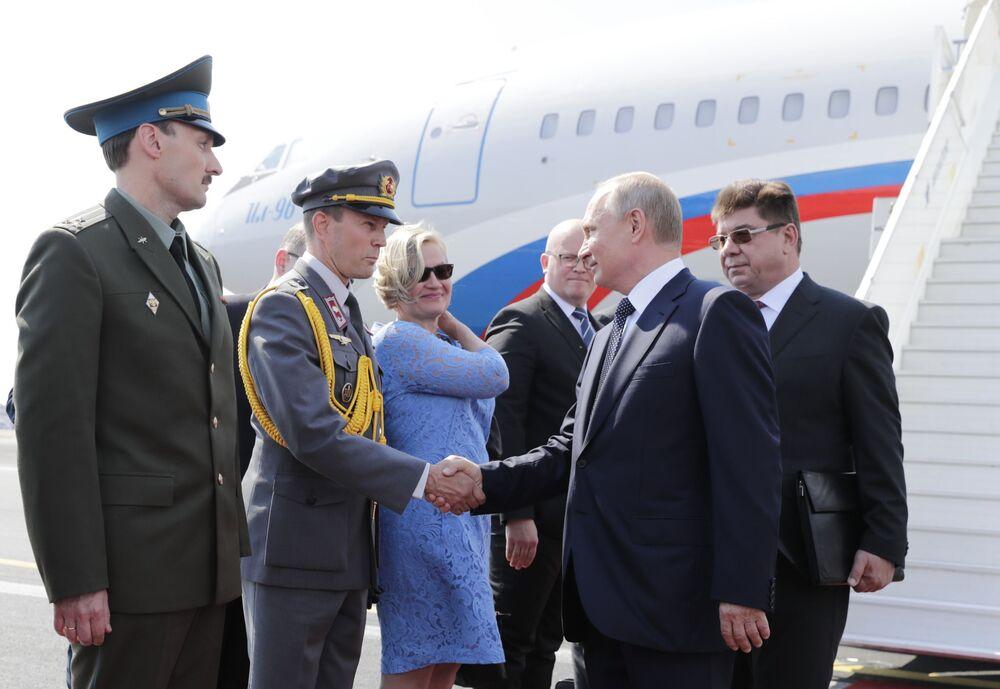 Prezydent Rosji Władimir Putin przybył do Helsinek na spotkanie z Donaldem Trumpem