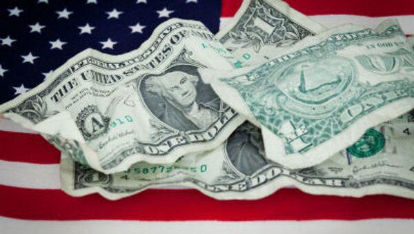 Dolary USA na amerykańskiej fladze - Sputnik Polska