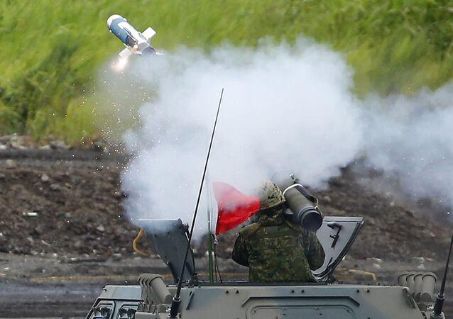 Strzelanie podczas ćwiczeń wojskowych w Japonii