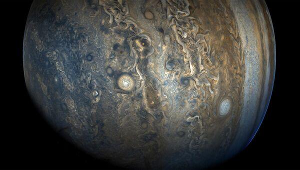 Zdjęcie bieguna południowego Jowisza zrobione aparatem kosmicznym Juno - Sputnik Polska