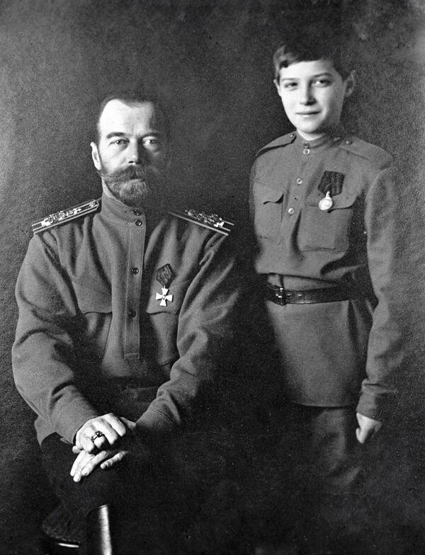Mikołaj II z synem Aleksym - Sputnik Polska