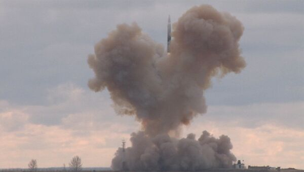 Test rosyjskiego strategicznego systemu rakietowego z hipersonicznym szybowcowym blokiem manewrującym - Sputnik Polska
