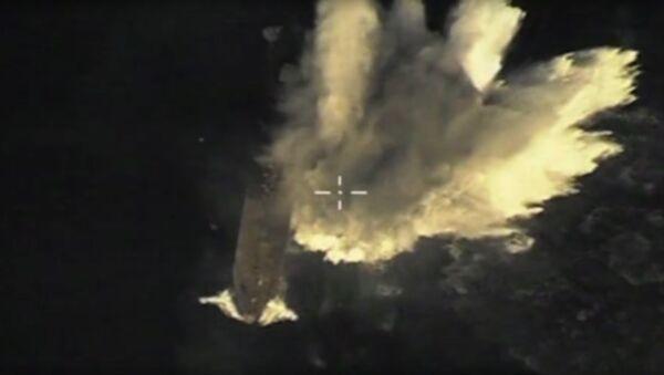 Start pocisku manewrującego z okrętu podwodnego Tomsk - Sputnik Polska