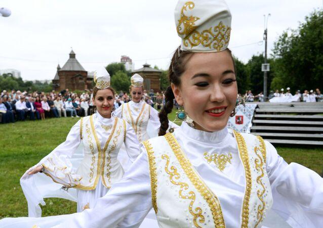 Festiwal Sabantuj 2018 w moskiewskim parku Kołomienskoje