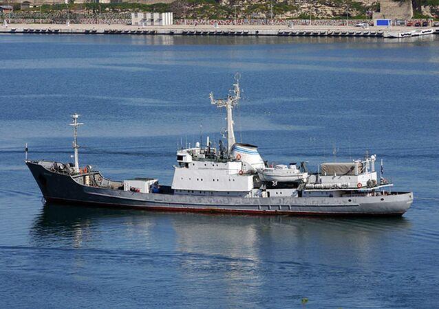 Okręt rozpoznawczy Ekwator