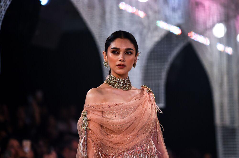 Pokaz kolekcji podczas Tygodnia mody w Nowym Delhi
