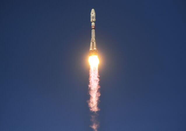 Start rakiety nośnej Sojuz 2.1b na kosmodromie Wostocznyj