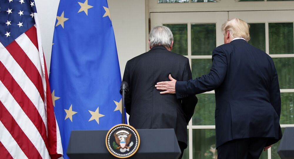 Przewodniczący Komisji Europejskiej Jean-Claude Juncker i prezydent USA Donald Trump na spotkaniu w Białym Domu