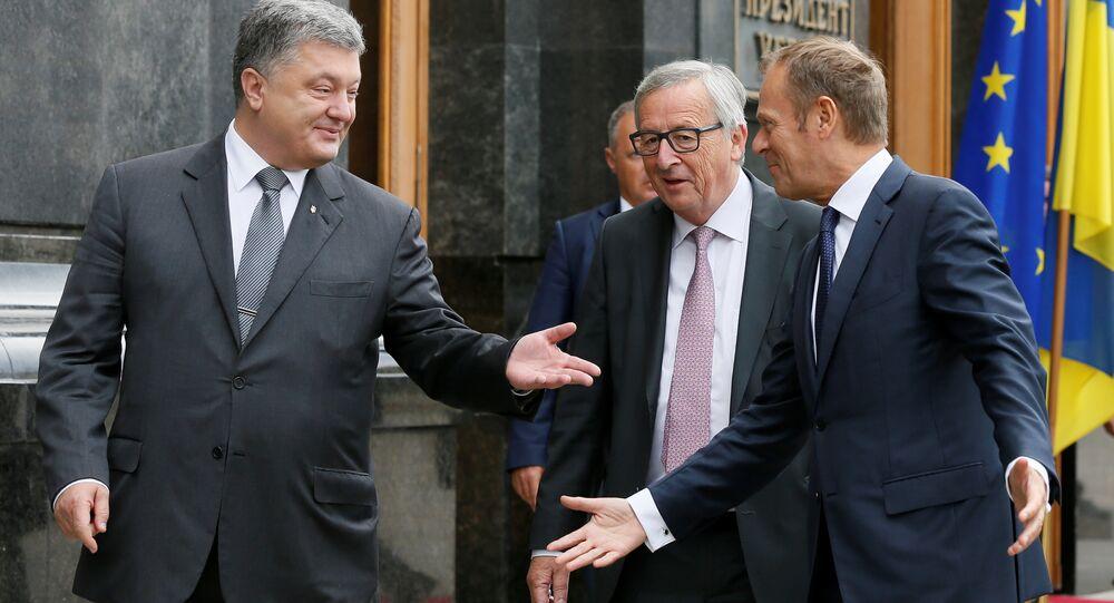 Ukrainian President Petro Poroshenko, European Commission President Jean-Claude Juncker and European Council President Donald Tusk arrive for a joint news conference following the EU-Ukraine summit in Kiev, Ukraine, July 13, 2017