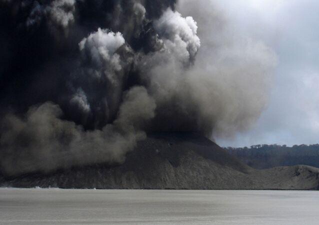 Erupcja wulkanu Manaro, Aoba, Vanatu
