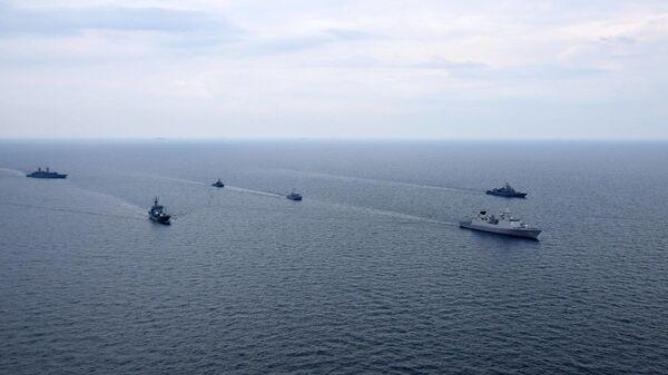 Wspólne szkolenie Marynarki Wojennej Ukrainy i okrętów NATO na Morzu Czarnym - Sputnik Polska