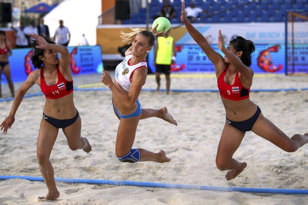 VIII Mistrzostwa Świata w Piłce Ręcznej Kobiet. Mecz Rosja - Tajlandia