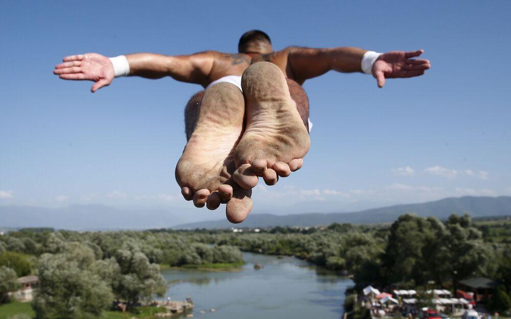Florid Gashi wygrał zawody skoków do wody w Kosowie