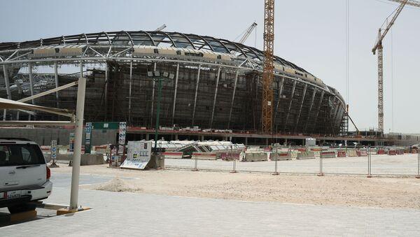 Budowa stadionu Al-Wakra w katarskiej Dosze, gdzie odbędą się mistrzostwa świata w piłce nożnej w 2022 roku - Sputnik Polska