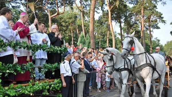 Obrzęd błogosławieństwa zwierząt w ramach uroczystości odpustowych ku czci św. Rocha - Sputnik Polska