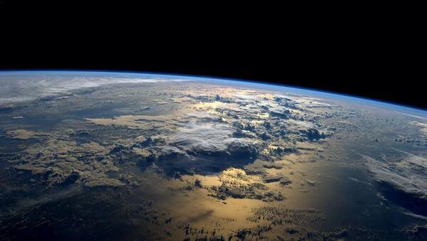 Świt nad oceanem z pokładu MSK - Sputnik Polska