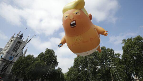 Protesty przeciwko wizycie Trumpa w Londynie - Sputnik Polska