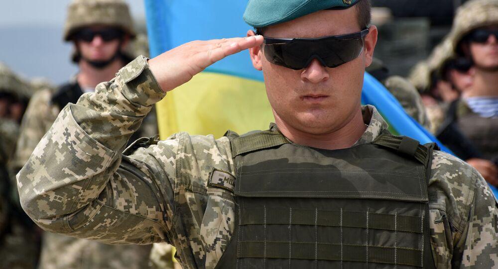 """Ukraiński żołnierz na inauguracji międzynarodowych ćwiczeń wojskowych """"Godny Partner 2018"""" pod auspicjami NATO w Gruzji"""