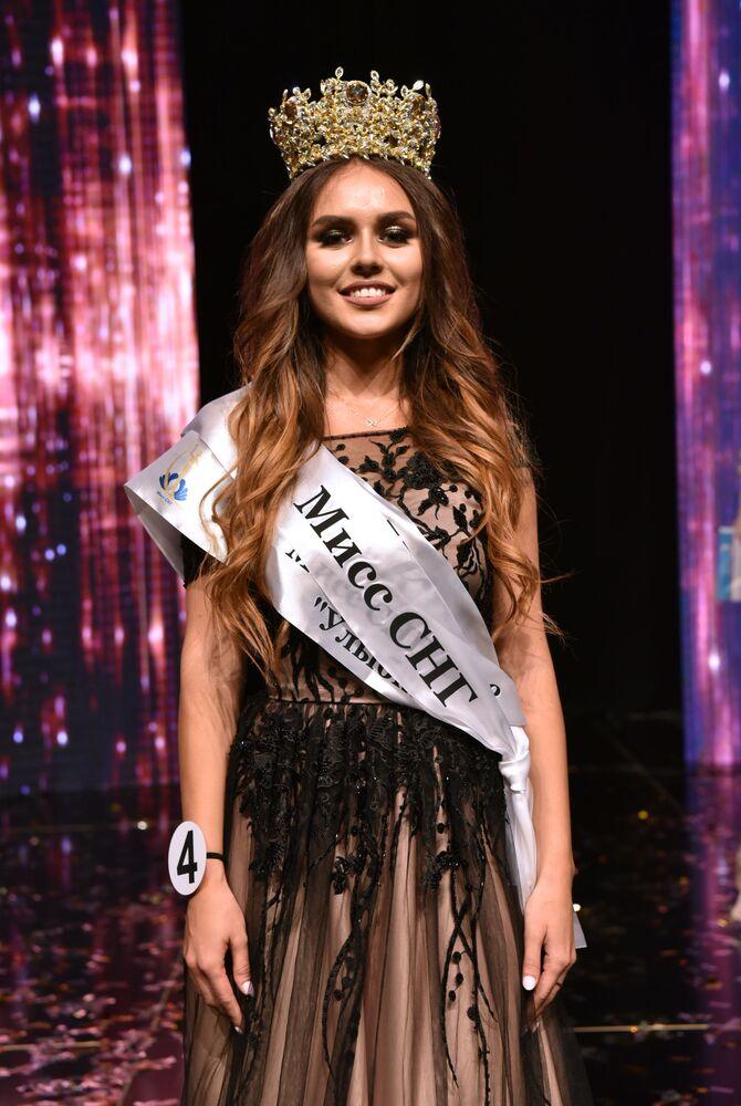 Zwyciężczyni konkursu Miss WNP 2018  Tatjana Akulenko