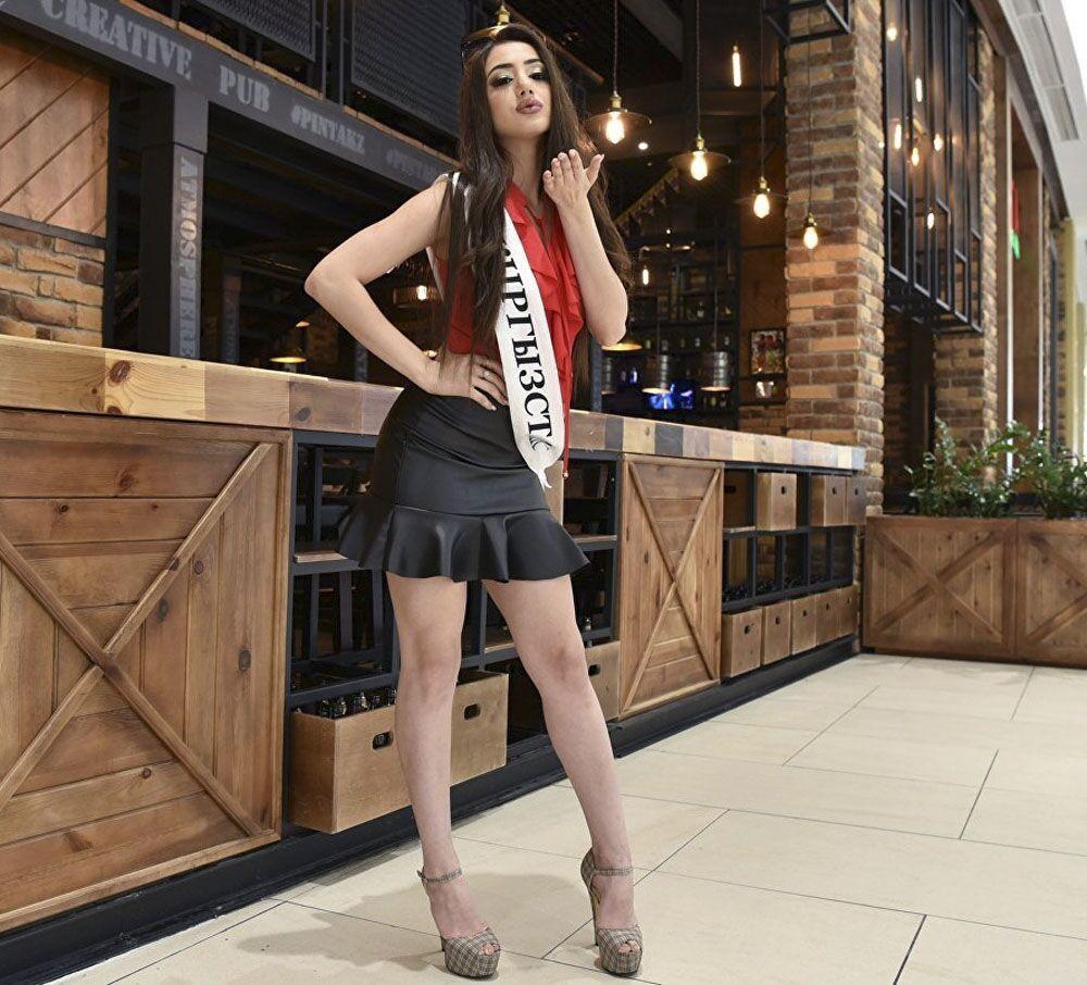 Modelka Susana Egorjan podczas konkursu piękności Miss WNP 2018