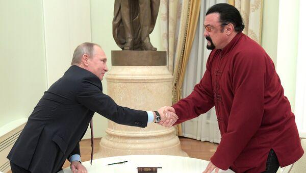Władimir Putin i Steven Seagal - Sputnik Polska