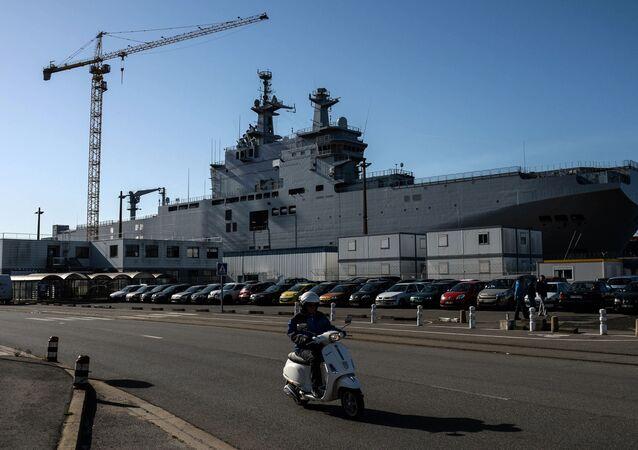 """Okręt desantowy """"Władywostok"""" klasy Mistral. Zdjęcie archiwalne"""