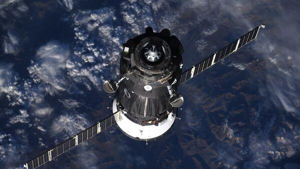 "Statek ""Sojuz MS-09"" z załogą MSK-56/57 - Sputnik Polska"