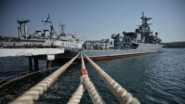 Okręt Ładnyj przed wyprawą na Morze Śródziemne - Sputnik Polska