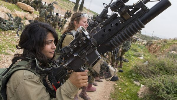 Kobiety z izraelskiego wojska na szkoleniu - Sputnik Polska
