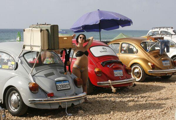 Zjazd zabytkowych samochodów Volkswagen w Libii - Sputnik Polska