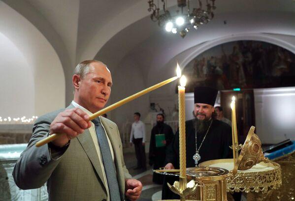 Władimir Putin podczas poświęcenia Katedry św. Włodzimierza w Chersonezie - Sputnik Polska