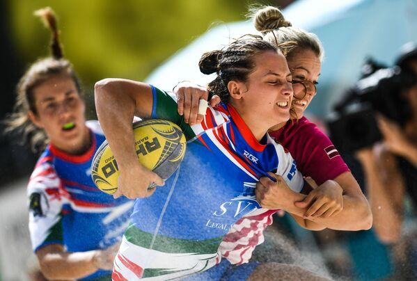 Mecz mistrzostw Europy w rugby plażowym między zespołami Włoch i Łotwy - Sputnik Polska