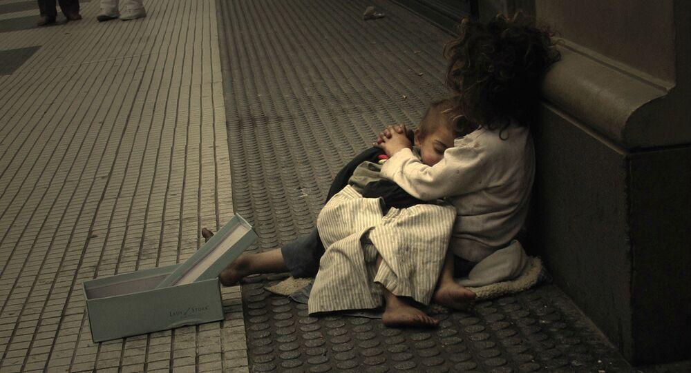 Dzieci żebrzące na ulicy