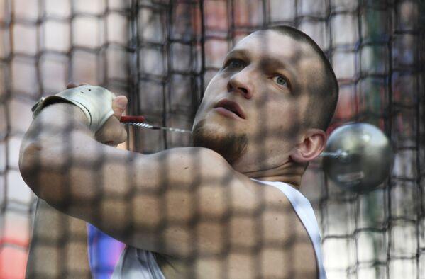 Wojciech Nowicki (KS Podlasie Białystok) zdobył złoty medal w rzucie młotem - Sputnik Polska