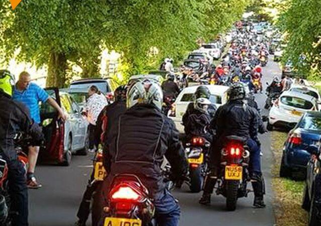 Motocykliści przeciwko huliganom