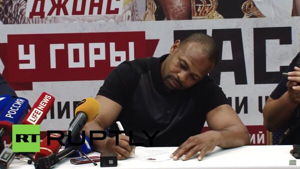Amerykański bokser Roy Jones prosi o rosyjskie obywatelstwo - Sputnik Polska