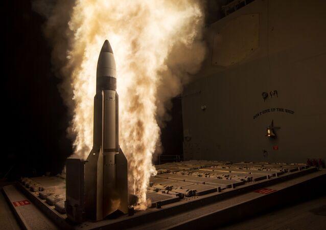 Start amerykańskiej rakiety sterowalnej SM-3