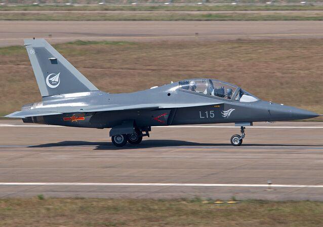 Chiński bojowy samolot szkoleniowy JL-10
