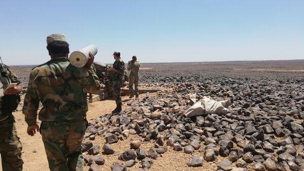 Syryjska armia otoczyła terrorystów w pustyni - Sputnik Polska