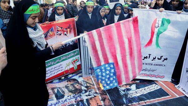 Antyamerykańskie protesty w Iranie - Sputnik Polska