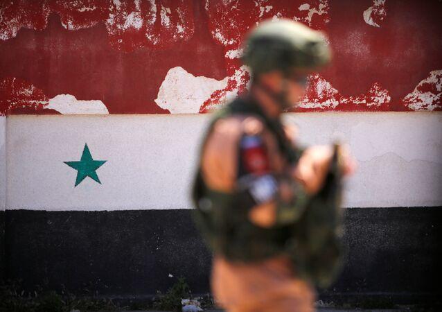 Rosyjski żołnierz w syryjskim Homs